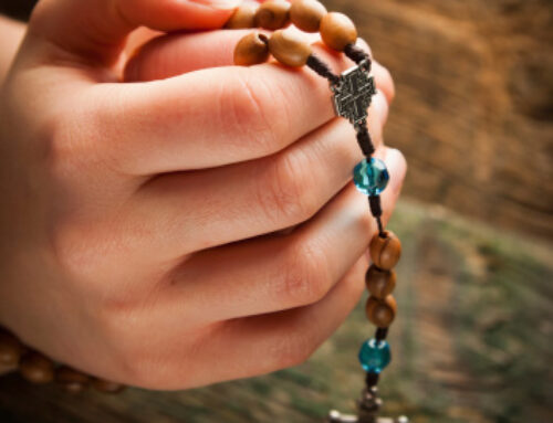 SIGN UP TO HOST OCTOBER HOME ROSARY
